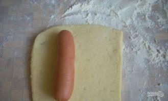 Сосиски в бездрожжевом тесте в духовке - фото шаг 4