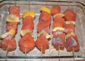 Шашлык из семги в духовке - фото шаг 4
