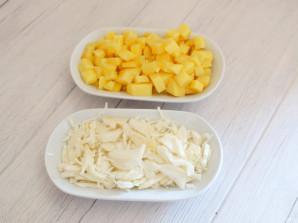 Борщ с килькой и фасолью - фото шаг 3