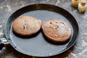 Шоколадные оладьи на молоке - фото шаг 8