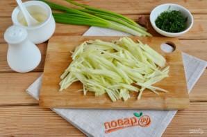 Салат с зеленой редькой и морковью - фото шаг 4