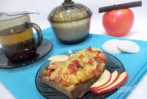Горячие бутерброды с яблоками и сыром - фото шаг 4