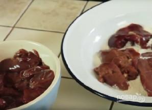 Салат с куриной печенкой - фото шаг 3