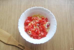 Салат с крабовыми палочками и колбасой - фото шаг 5