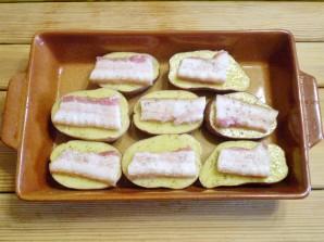 Картошка с салом и чесноком в духовке - фото шаг 7