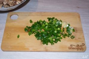 Салат с курицей и черносливом - фото шаг 2
