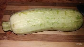 Жареные кабачки с чесноком (простой рецепт) - фото шаг 1