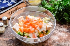 Салат из рыбы копченой - фото шаг 6