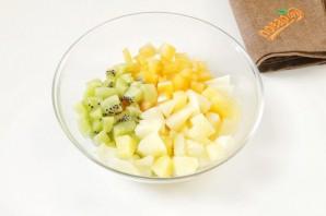 Куриные рулетики с ананасом - фото шаг 2