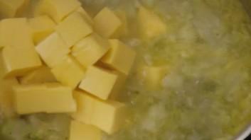 Крем-суп из брокколи с сыром - фото шаг 6