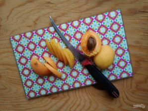 Оладьи с абрикосом - фото шаг 5