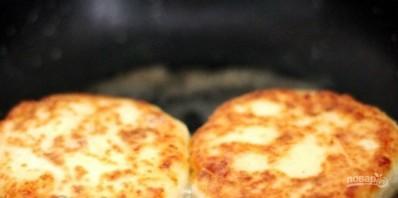 Пышные сырники, запеченные  в духовке - фото шаг 5