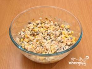 Салат с кукурузой и грибами - фото шаг 10