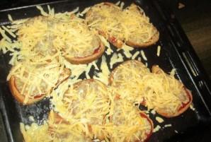 Бутерброды с фаршем в духовке - фото шаг 6