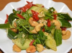 Салат из битых огурцов - фото шаг 5