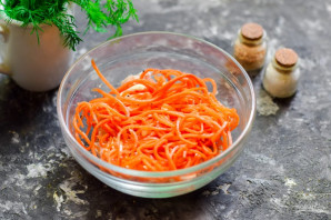 Салат с киви и корейской морковкой - фото шаг 3