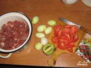 Шашлык из говядины с киви - фото шаг 1