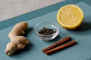 Зеленый чай с имбирем и корицей - фото шаг 1