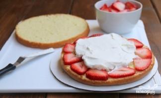 Торт с творогом и клубникой - фото шаг 8