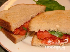Румяный сандвич с помидором - фото шаг 5
