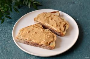 Бутерброды с арахисовой пастой - фото шаг 4