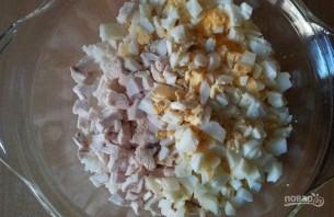 Салат с консервированными шампиньонами - фото шаг 3