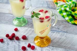 Напиток из дыни и малины - фото шаг 3
