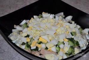 Салат с консервированными кальмарами - фото шаг 3