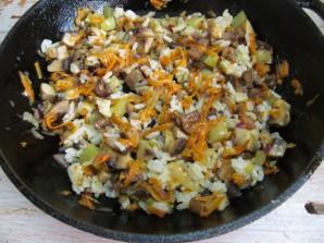 Кабачки с рисом и грибами  - фото шаг 9