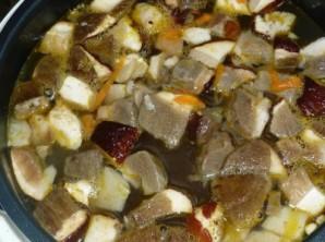 Суп с перловкой в мультиварке - фото шаг 7