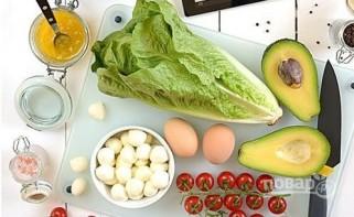 Капрезе с курицей и авокадо - фото шаг 1