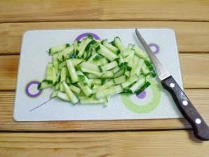 Салат из яиц и огурцов - фото шаг 3