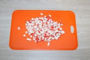 Салат из крабовых палочек с шампиньонами - фото шаг 6