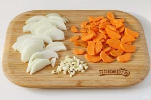 Говядина на сковороде с морковью и луком - фото шаг 3