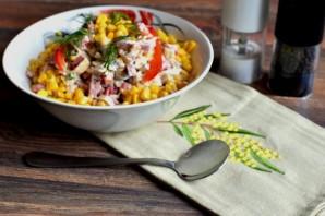 Блинный салат с колбасой - фото шаг 5