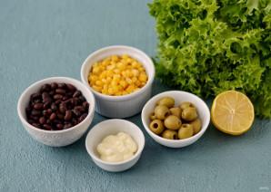 Салат с кукурузой и оливками - фото шаг 1