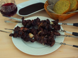 Шашлык из куриных желудков - фото шаг 6