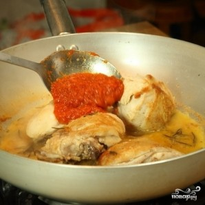 Курица в томатной пасте - фото шаг 3