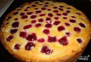 Вкусный пирог с вишней и творогом - фото шаг 13