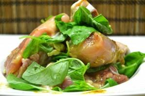 Курица, тушенная с зеленью - фото шаг 2