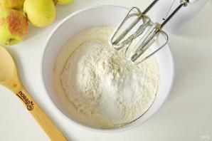 Яблочный пирог со штрейзелем - фото шаг 4