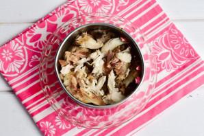 Слоеный салат с мясом и грибами - фото шаг 3