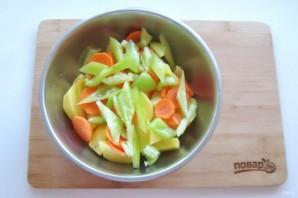 Картофель с колбасками в духовке - фото шаг 3