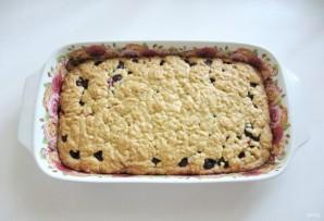 Тертый пирог с вишней - фото шаг 11