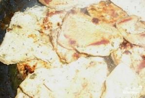 Индейка в кефире на сковороде - фото шаг 5