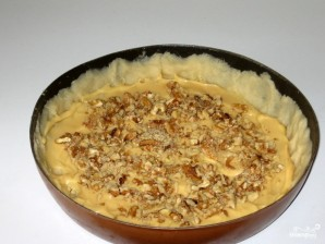 Пирог с орехами и сгущенкой - фото шаг 3