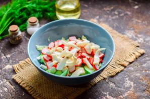 Салат с пекинской капустой, крабовыми палочками и кальмарами - фото шаг 5