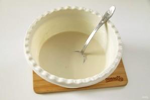 Вкусные блинчики на молоке с дырочками - фото шаг 2