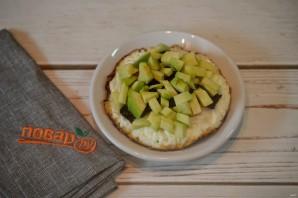 Яичница с беконом и авокадо - фото шаг 4