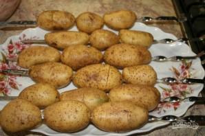 Картошка в фольге на углях - фото шаг 2